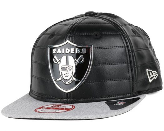 Qua heren caps is niks meer ghetto dan een Oakland Raiders pet