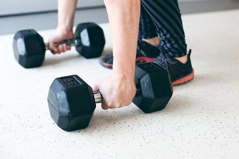 Leer alles over je schouders thuis trainen met dit artikel.