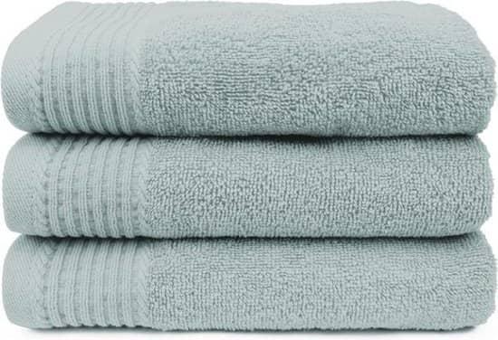 Een coole badhanddoek mag natuurlijk ook niet ontbreken in je gymbag.