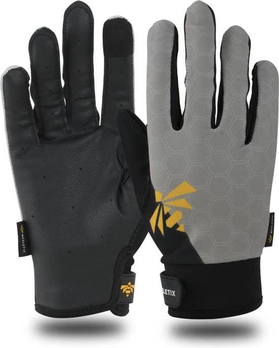 Deze coole fitness handschoenen bedekken je volledige hand.