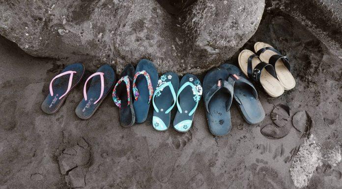 Hier lees je alles over welke soorten slippers er zijn en hoe je ze moet dragen.